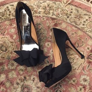 Badgley Mischka black pumps shoes peep toe heels